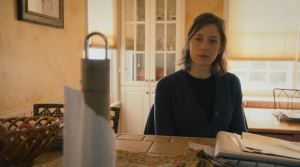 Nora Durst (Carrie Coon), Episode 6